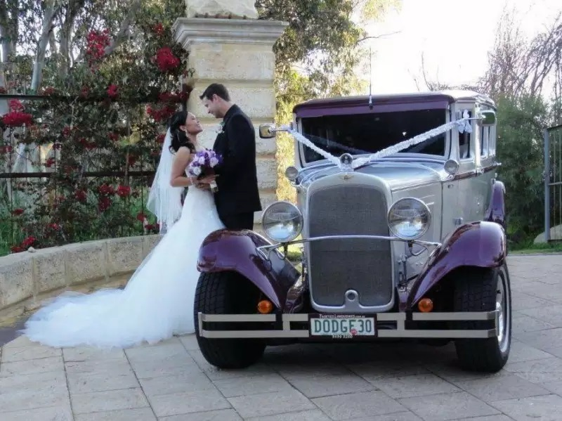 perth-vintage-wedding-limo